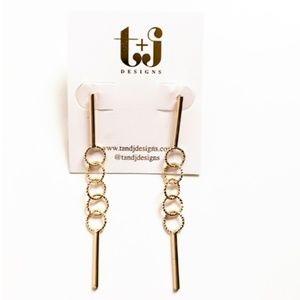 Last pair, 4 circle dangling earrings